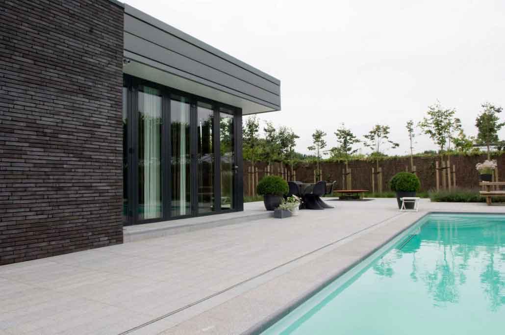 Krijg kwaliteit zwembadtegels met bekleding en afwerking for Zwembad tegels