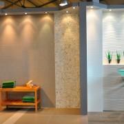 Quelles sont les spécificités du showroom d'Intercarro à Bruges ?