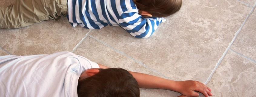 Een kindvriendelijke vloer met keramische tegels